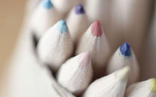 Обои Грифели цветных карандашей