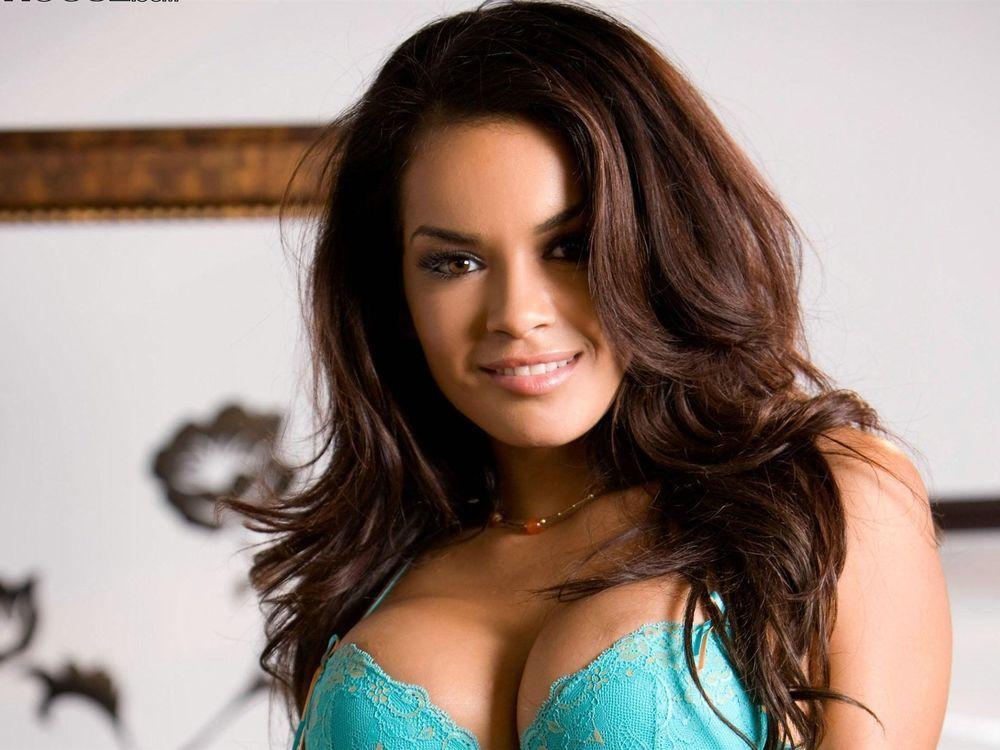 Женщины с красивой грудью фото