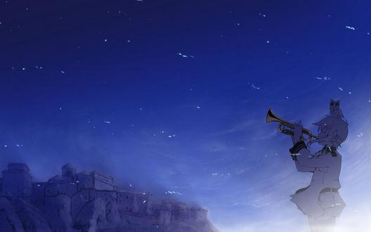 Обои Сорами Каната из аниме Звуки небес / Sora no Oto с совой на голове ночью трубит в горн
