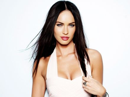 Обои Меган Дениз Фокс / Megan Denise Fox в белом платье