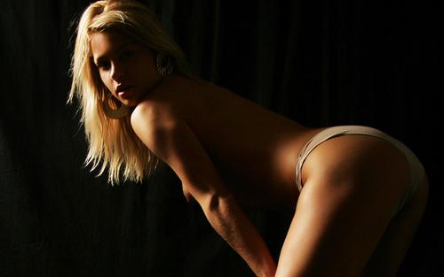 Милая, красивая, katy n, блондинка,попа,тело,взгляд,трусики.
