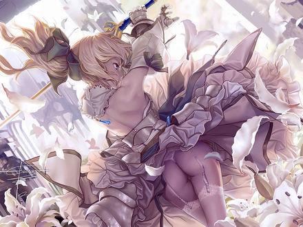Обои Анимешка Lily из Fate / stay night в белых чулках и белых стрингах подняла меч в железных перчатках среди цветов