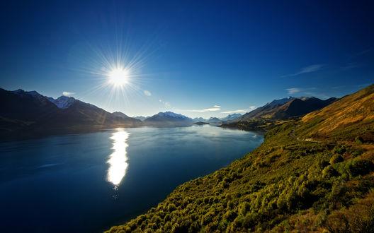 Обои Восход солнца над гладким озером в Новой Зеландии / New Zealand