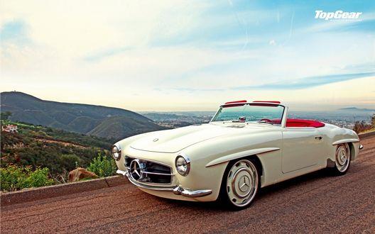 Обои Старинный белый Mercedes Benz / Мерседес Бэнц кабриолет на дороге (Top Gear magazine Nederland)