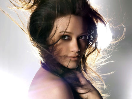 Обои Певица и актриса Хилари Дафф / Hilary Duff