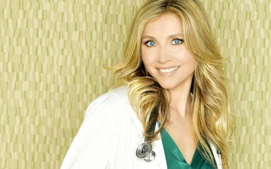 Обои Актриса телесериала 'Клиника / Scrubs', сыгравшая доктора Эллиот Рид / Dr. Elliot Reid, Sarah Chalke / Сара Чок