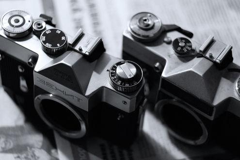 Обои Два фотоаппарата Зенит
