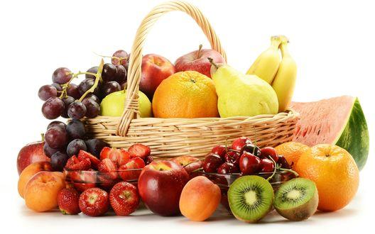 Обои Корзина с фруктами