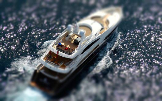 Обои Белая яхта в море с эффектом тилт шифт / tilt shift