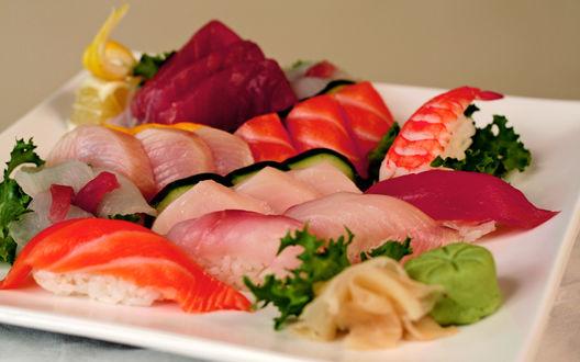 Обои Суши и нарезка из красной рыбы