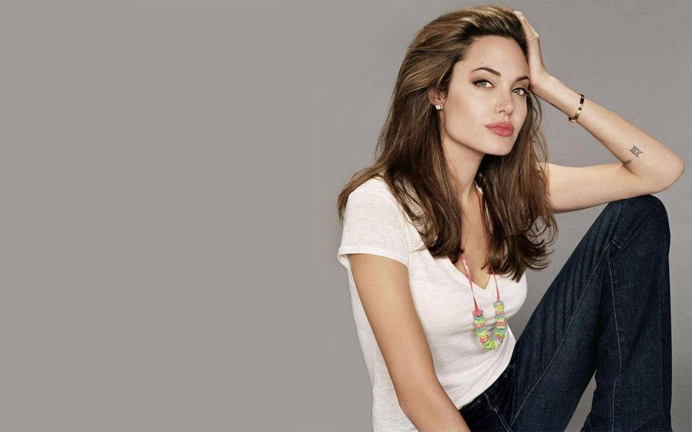 Девушка в белой футболке эро фото 394-923