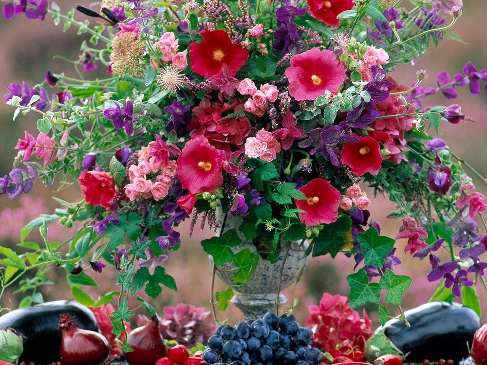 Красивые летние букеты цветов