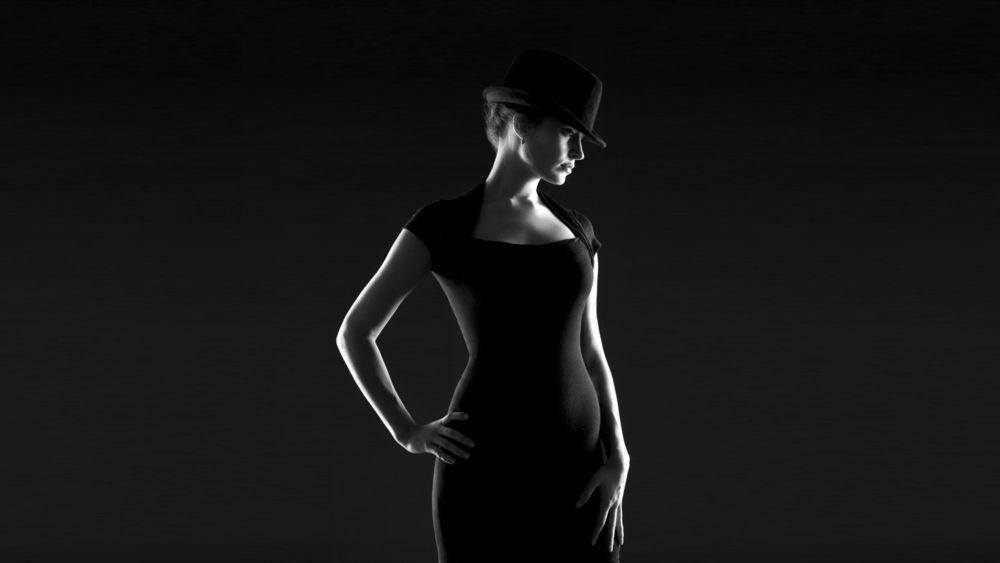 Фото Девушек На Черном Фоне Обои