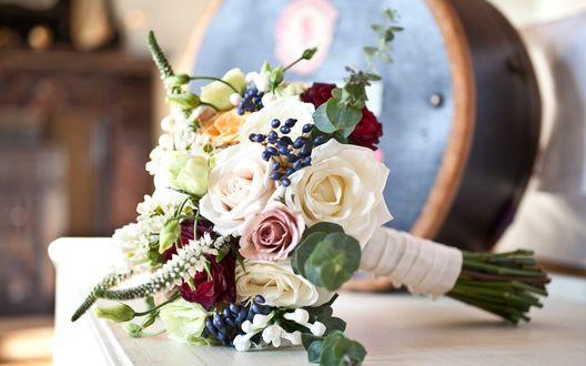 Обои Красивый букет с розами