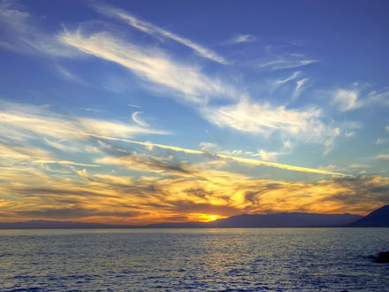 Обои Небо в облаках над над морем на закате