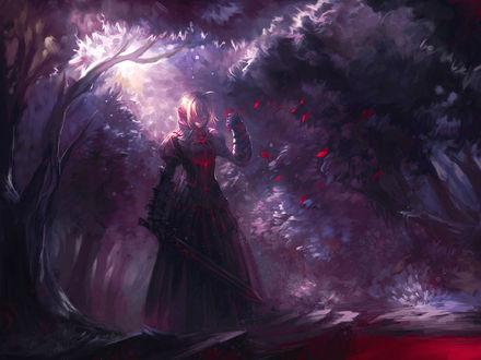 Обои Saber Alter / Сейбер Альтер из аниме ''Fate/stay night / Судьба: Ночь Схватки'' с мечом в руке в лесу