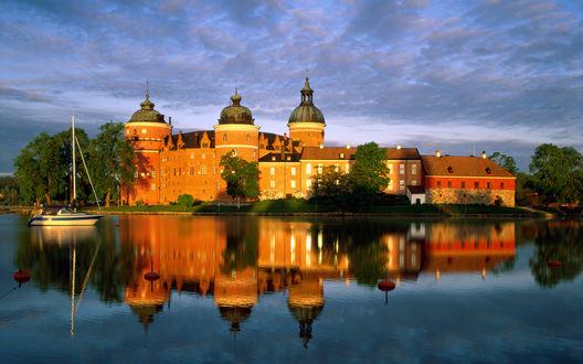 Обои Замок Грипехольм, город Мариефред, Швеция / Castle Gripsholms, Mariefred, Sweden