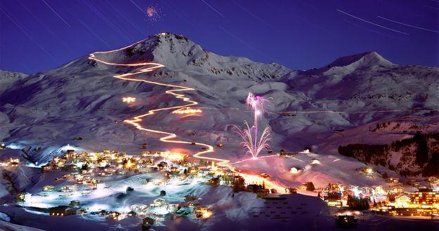 Обои Горнолыжный курорт Ароза в Швейцарских альпах / Arosa, Switzerland - лыжная трасса залита светом огней, гремят фейерверки, во всех домах горит свет