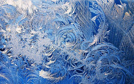 Обои Красивый ледяной узор на стекле