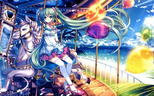 Обои Вокалоид Мику Хацунэ / Vocaloid  Miku Hatsune  катается на лошадях в парке аттракционов и держит в руках воздушные шарики