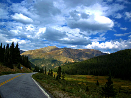 Обои Дорога в Национальном парке 'Скалистые горы' / Rocky Mountain', штат Колорадо, США / Coloado, USA