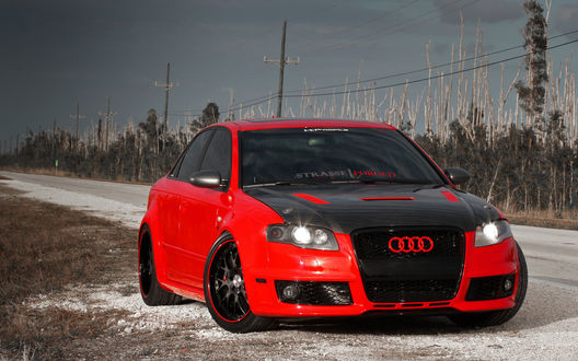Обои Красная тюнингованная Audi / Ауди (strasse || Forged)