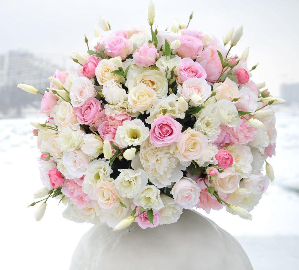 Букет белые и розовые розы