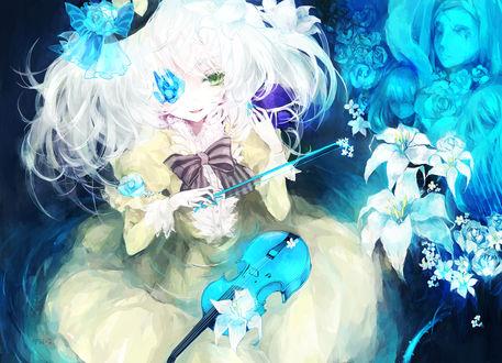Обои Koishi Komeiji / Койши Комейдзи из Тохо / Touhou Project с голубой скрипкой и смычком в руке среди синих роз и белых лилий