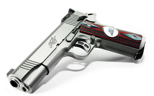 Обои Пистолет Kimber team match на белом фоне