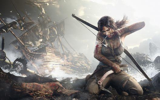 Обои Лара Крофт / Lara Croft  с луком перевязывает себе рану после кораблекрушения из игры ''Tomb Raider'' / ''Расхитительница гробниц''