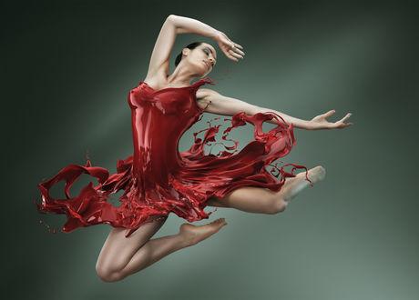 Обои Балерина в красном платье из глянцевой красной жидкости в прыжке, фотограф Даниэль Илинка