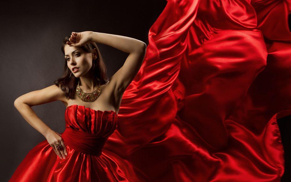 Фото красивых девушек в красном платье