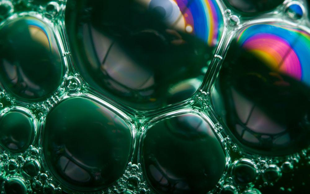 Обои для рабочего стола Сросшиеся мыльные пузыри