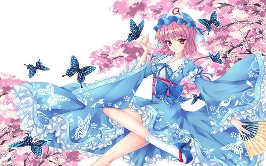 Обои Yuyuko Saigyouji / Ююко Сайгедзи сидит возле цветущей сакуры, вокруг пархают бабочки, из серии компьютерных игр Тохо / Touhou Project