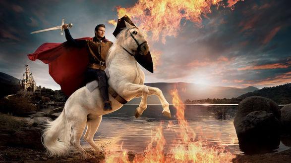 Обои Дэвид Бекхем / David Beckham в образе Принца на белом коне / Prince On A White Horse (проект американского художника- фотографа Энни Лейбовиц / Annie Leibovitz)