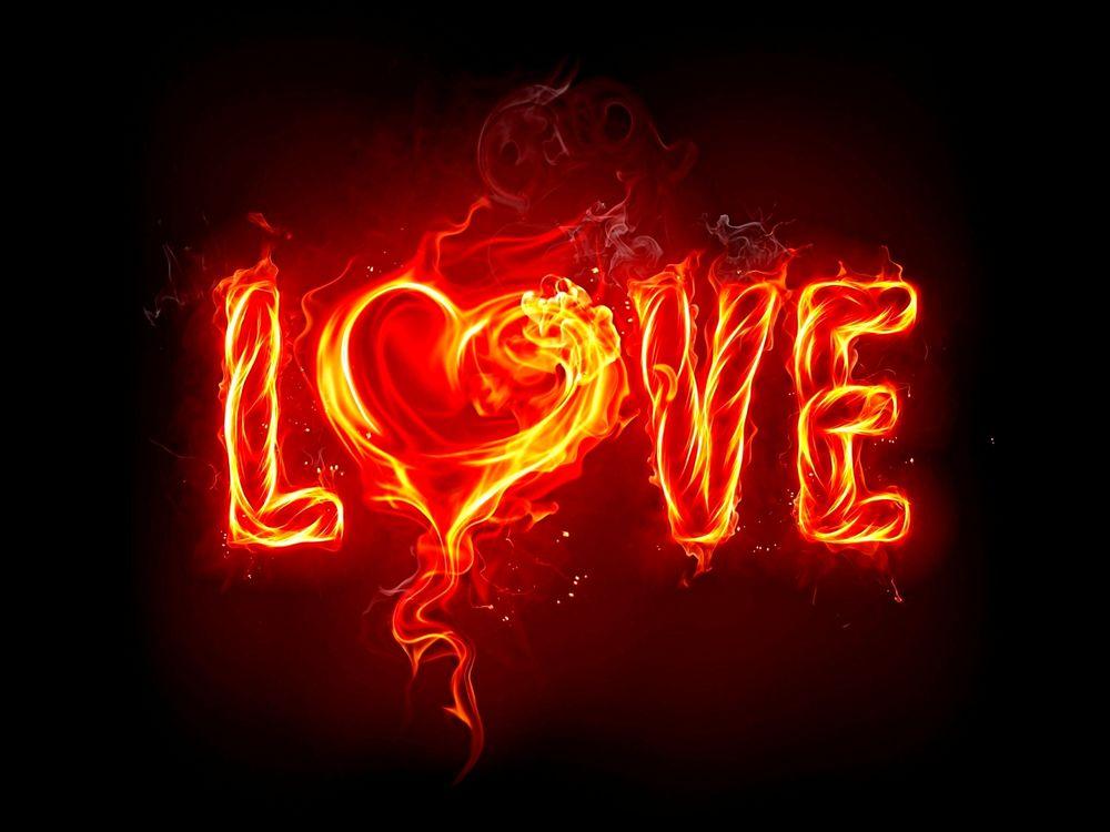 Обои для рабочего стола Огненная надпись LOVE