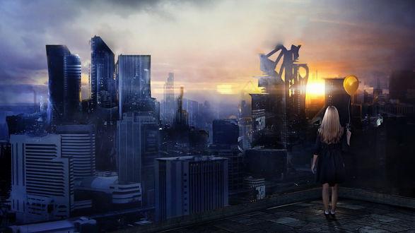 Обои Девушка с воздушным шариком стоит на крыше дома и смотрит на город