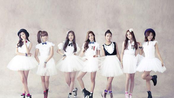 Обои Южнокорейская группа A-Pink, K-pop, веселые девушки в белых платьях и кедах