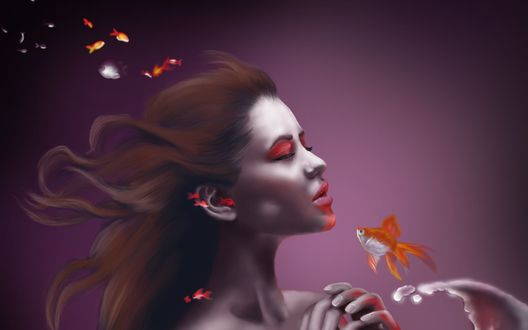 Обои Рыжеволосая девушка под водой с рыбками