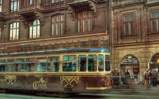 Обои Трамвай, идущий по улицам Варшавы, Польша / Warsaw, Poland