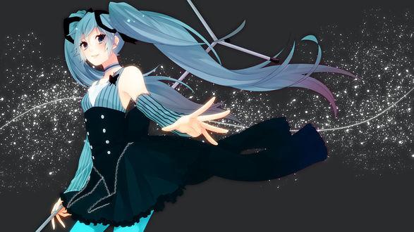 Обои Vocaloid Hatsune Miku / Вокалоид Хатсуне / Хацунэ Мику с микрофонной стойкой в руке, на сером фоне с белыми брызгами