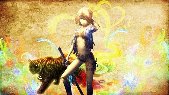 Обои Vocaloid Kagamine Rin / Вокалоид Кагамине Рин с повязкой на глаз, в рваной клетчатой рубашке, коротких шортах и лифчике, с кобурой и нарисованным сердечком, проткнутым стрелой, на ляжке, с катаной в руке, с демоническим тигром, стоит на фоне стены с яркими красочными разводами и желтыми сердечками
