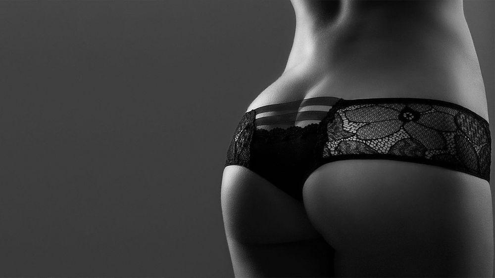 Женская попа в ажурных трусиках смотреть онлайн в hd 720 качестве  фотоография