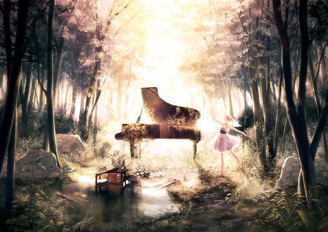 Обои Девушка танцует в лесу на руинах, посреди которых стоит поросшее плющом фортепьяно, рядом, в луже, валяется стул
