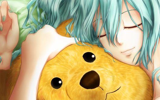 Обои Vocaloid Hatsune Miku / Вокалоид Хатсуне Мику, закрыв глаза, обнимает плюшевого медведя