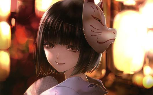 Обои Темноволосая девушка с маской на голове