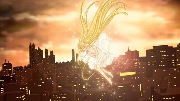 Обои Девушка в белом платье с длинными золотистыми волосами падает на фоне заката и вечернего города