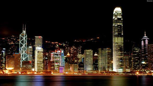 Обои Ночной город с небоскребами