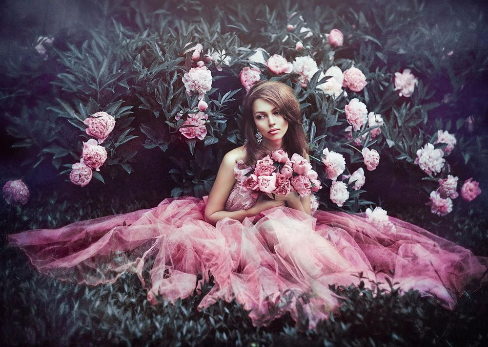 Красивые девушки в розовом платье фото 465-942