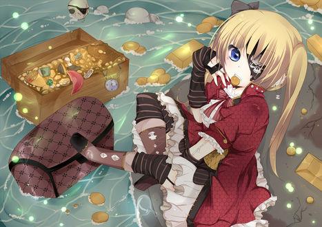 Обои Девушка с повязкой на глазу с монеткой во рту сидит на камне, стоящим в воде, в которой плавают сундуки с сокровищами, слитки золота, золотые монеты и скелет